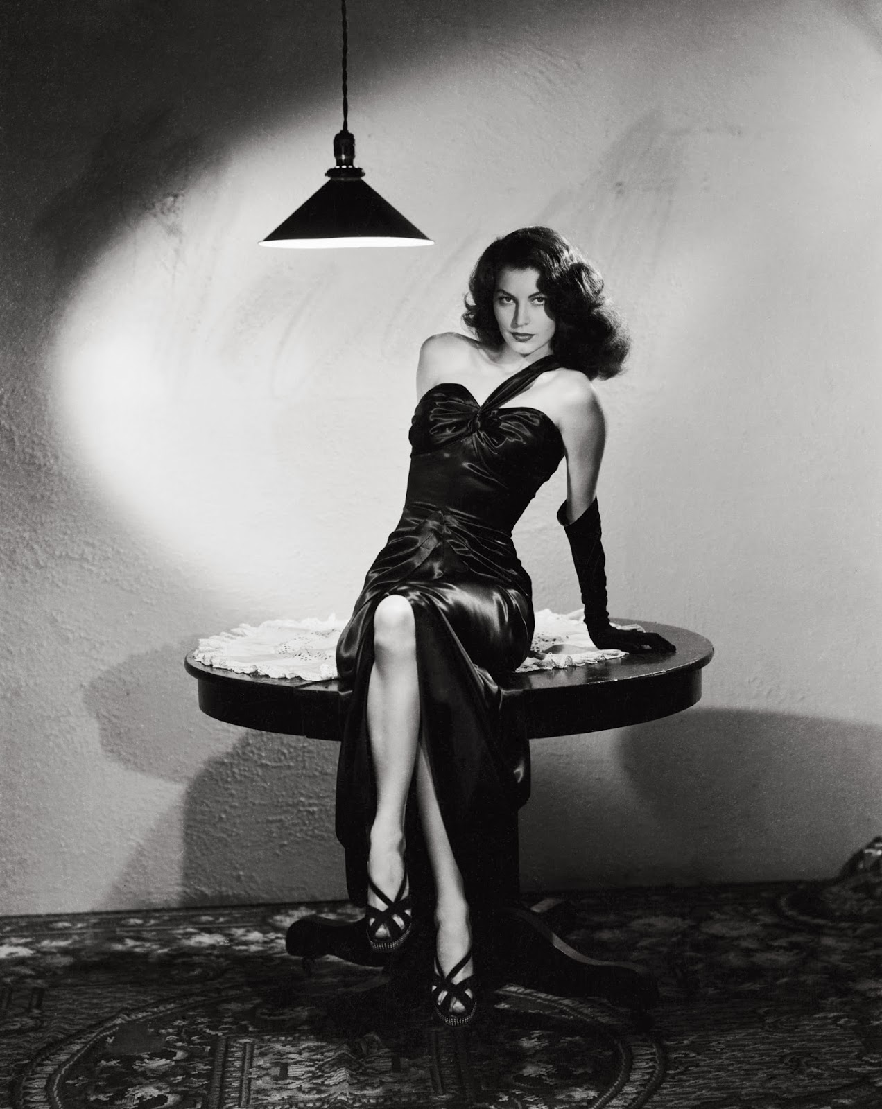 Ava Gardner as a femme fatale in the film, The Killers